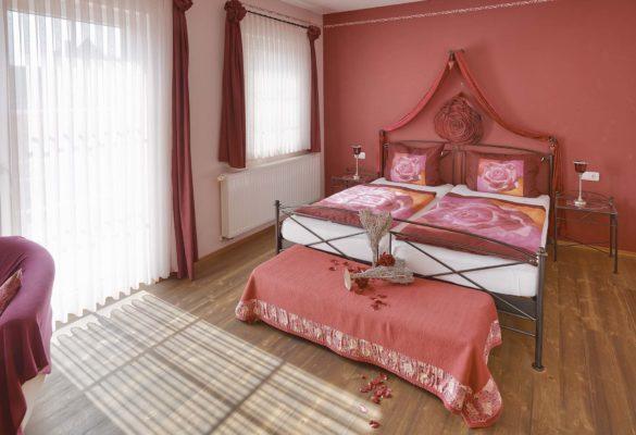 Rosenzimmer im Gästehaus Osing
